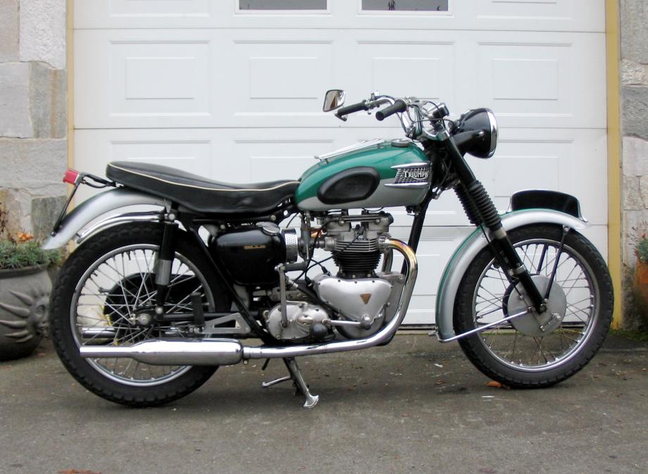 Vintage Triumph Bike 39