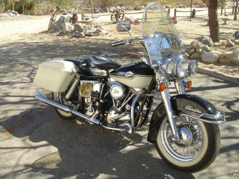 http://motorbike-search-engine.co.uk/classic_bikes/1965_flh_electra_glide.jpg