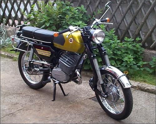 MOTOS PARA EL RECUERDO DE LOS ESPAÑOLES-http://motorbike-search-engine.co.uk/classic_bikes/1971_hercules.jpg