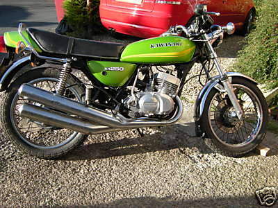 http://www.motorbike-search-engine.co.uk/classic_bikes/1978-kh250.jpg
