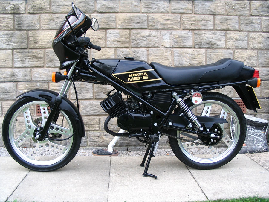 sepeda motor honda klasik cbs motor