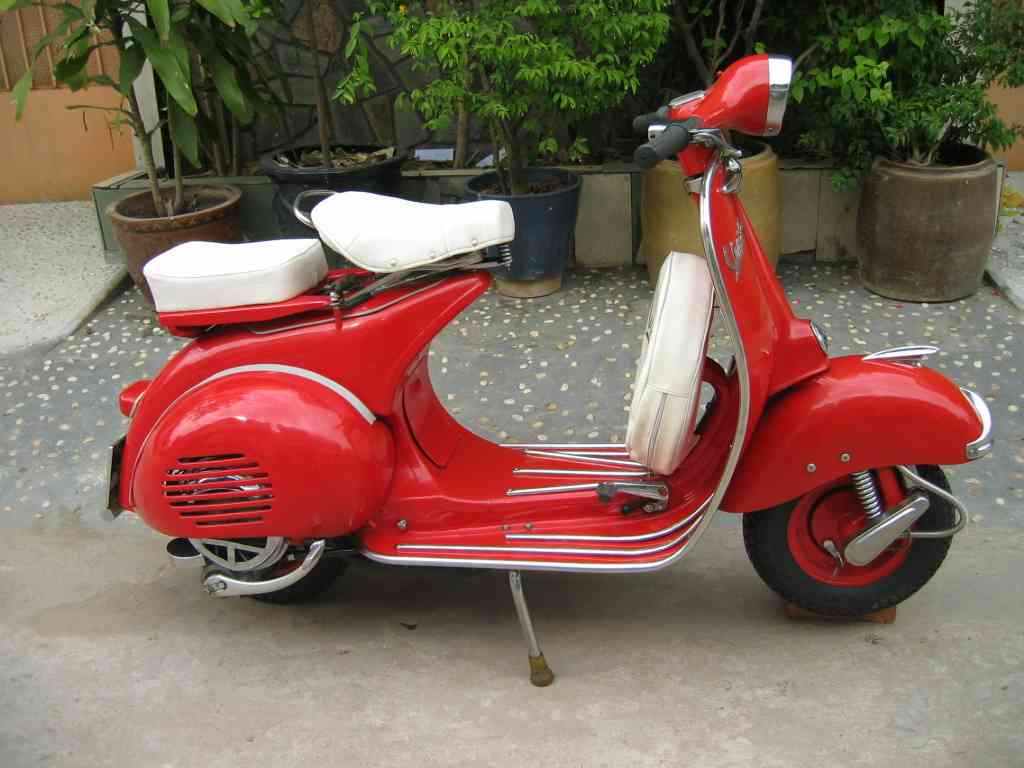 vespa classic scooters. Black Bedroom Furniture Sets. Home Design Ideas